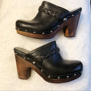 Ugg Kaylee Black Leather Mules/Clogs. 8.